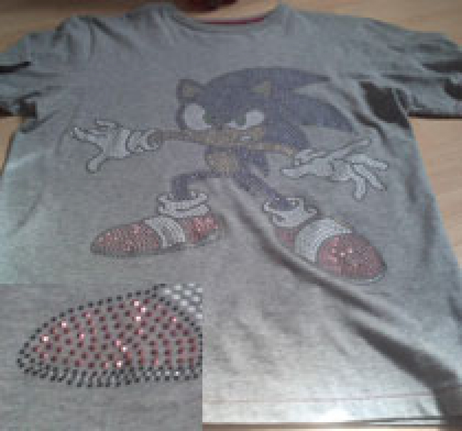 Grey modern Sonic the Hedgehog with shiny bits